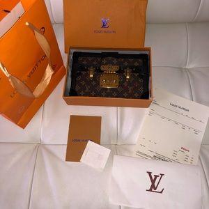 Louis Vuitton VVV authentic